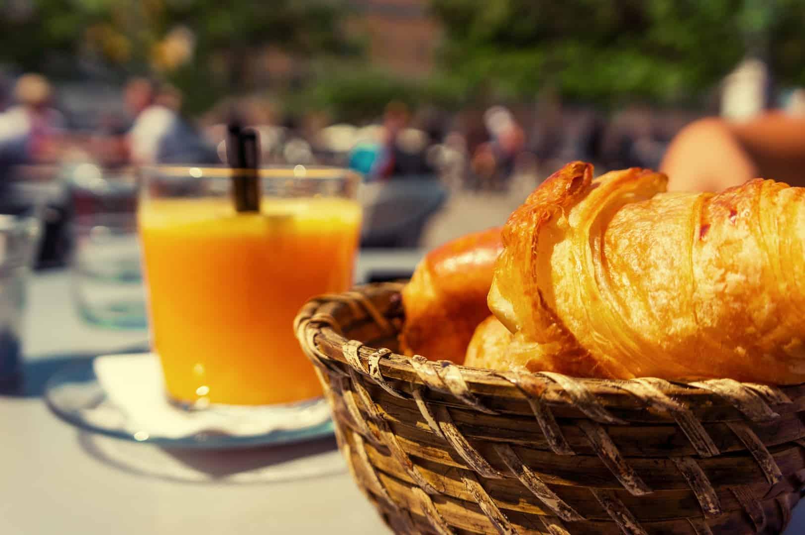 breakfast-in-france